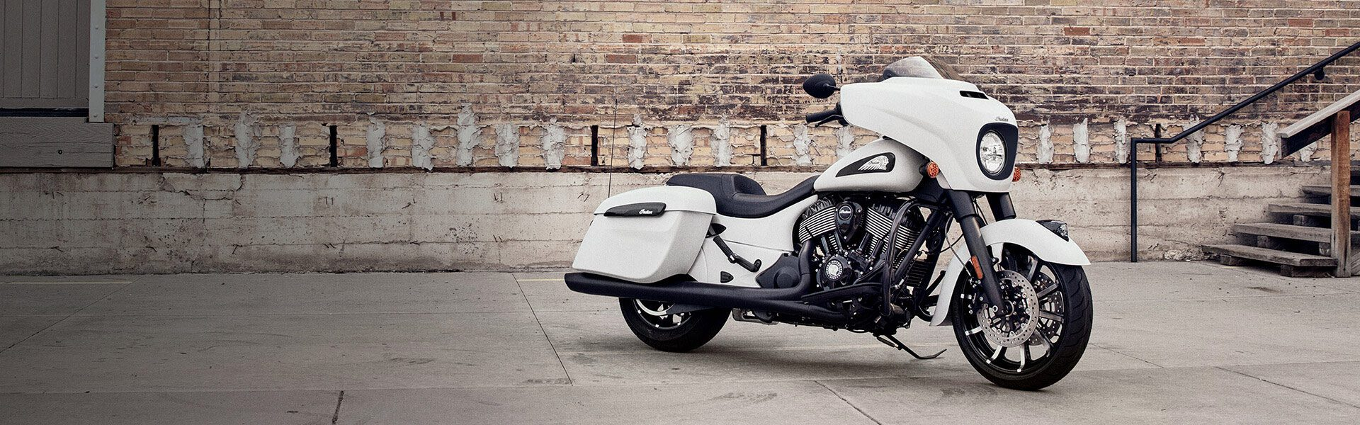 INDIAN® CHIEFTAIN® DARK HORSE®